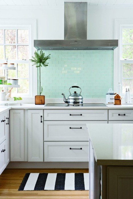 glass tile splashback