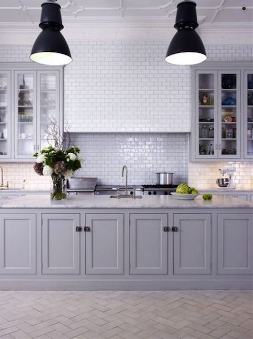 white subway tile splash back | hamptons kitchen